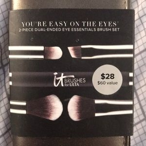 NWT 2 piece dual ended brush set